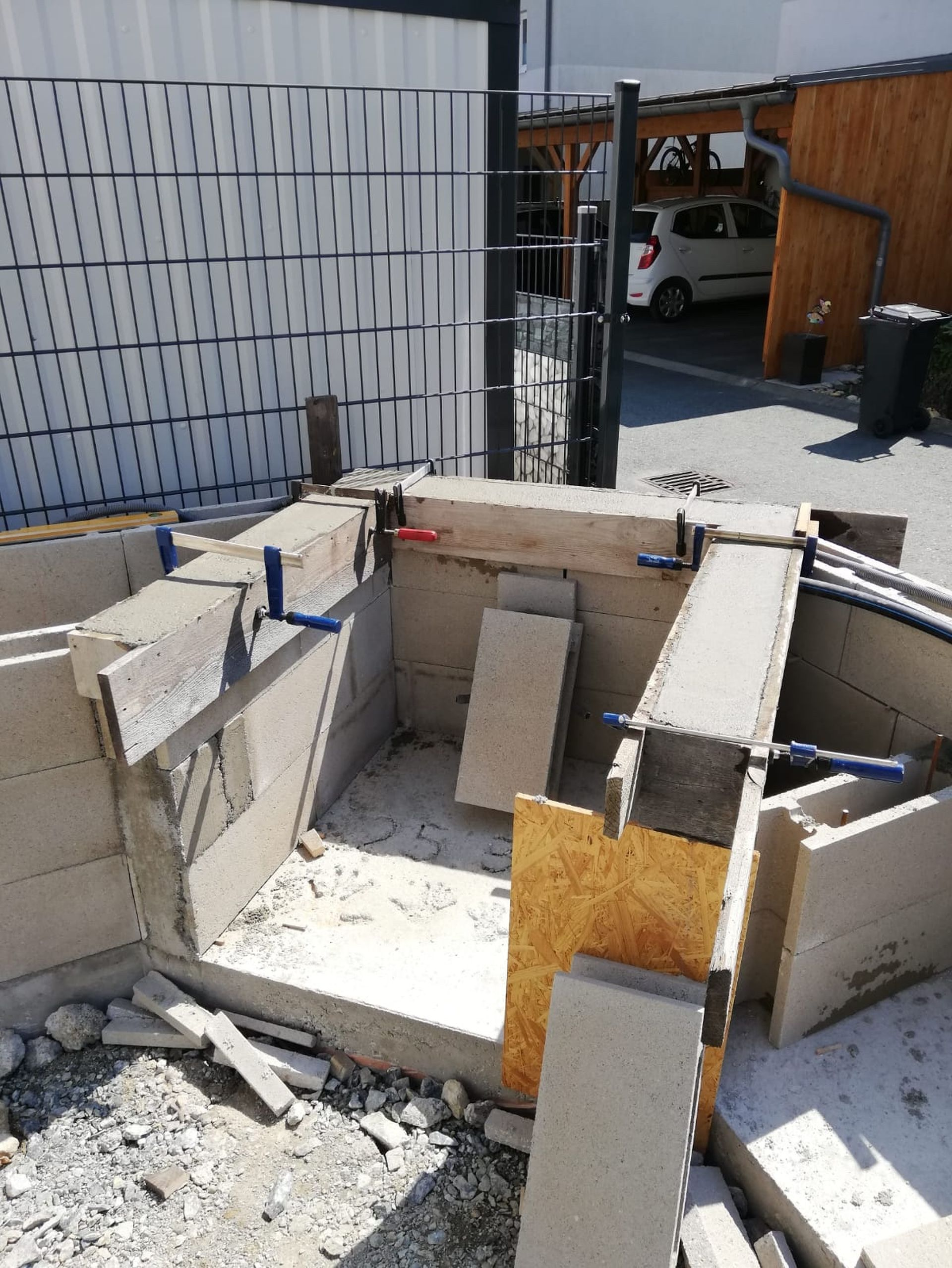 Bau der Outdoorküche in Oberwart