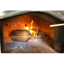 Steinbackofen der Grillhütte